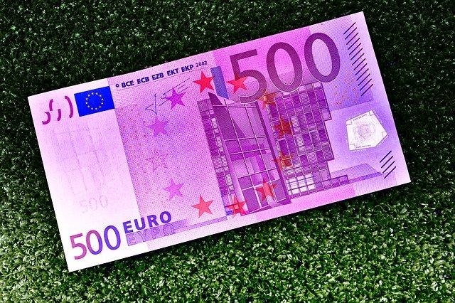 pětset euro